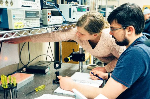 photonics students in lab